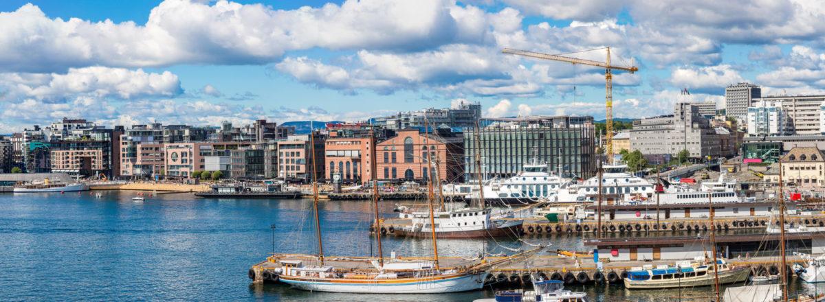 Hafen mit Fjord Touren